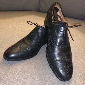 Men's Cole Haan Wingtip dress shoes
